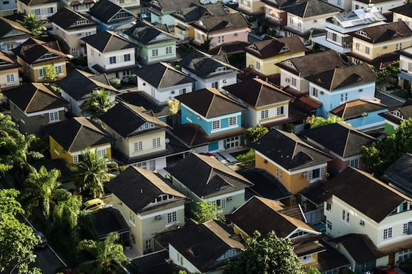 women should buy real estate properties